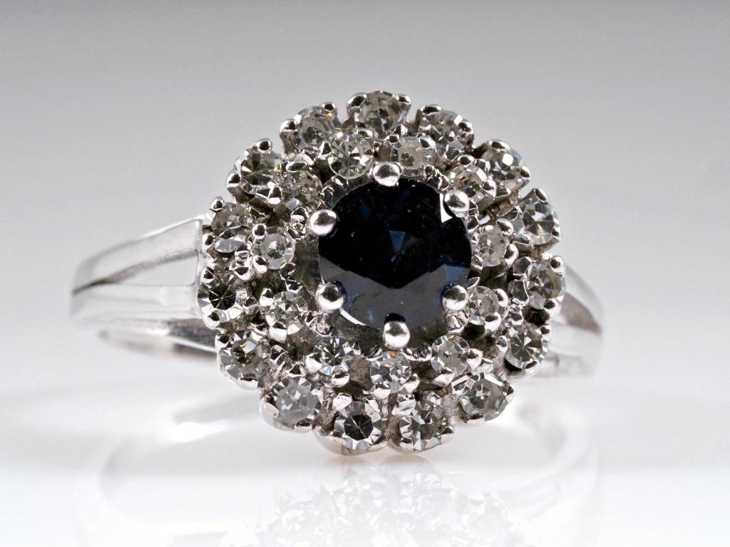 vintage ring diamanten saphir 750 gold um 1970 wert ca eur ebay. Black Bedroom Furniture Sets. Home Design Ideas