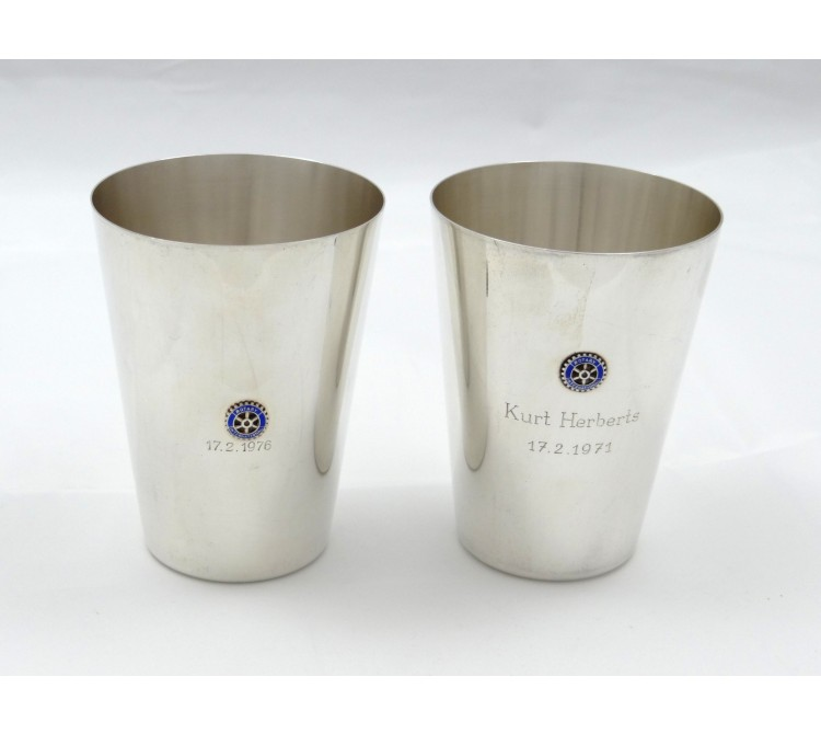 zwei Gedenk Trink Becher Wilkens Rotary International 800 Silber