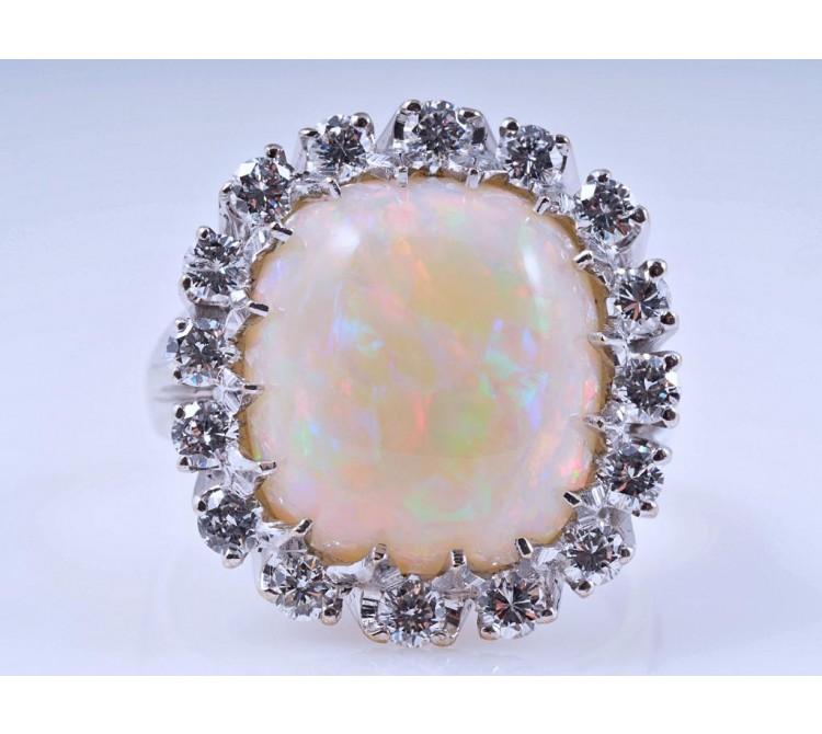 Ring 5,80 Karat Voll Opal Brillanten 750 Gold Deutschland Wert: ca. 2.950,- EUR