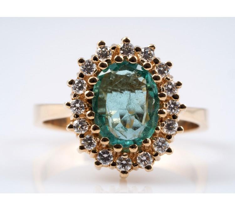 RING mit 2,32 Karat SMARAGD und BRILLANTEN / 585 GOLD / WERT: ca. 1.900,- EUR
