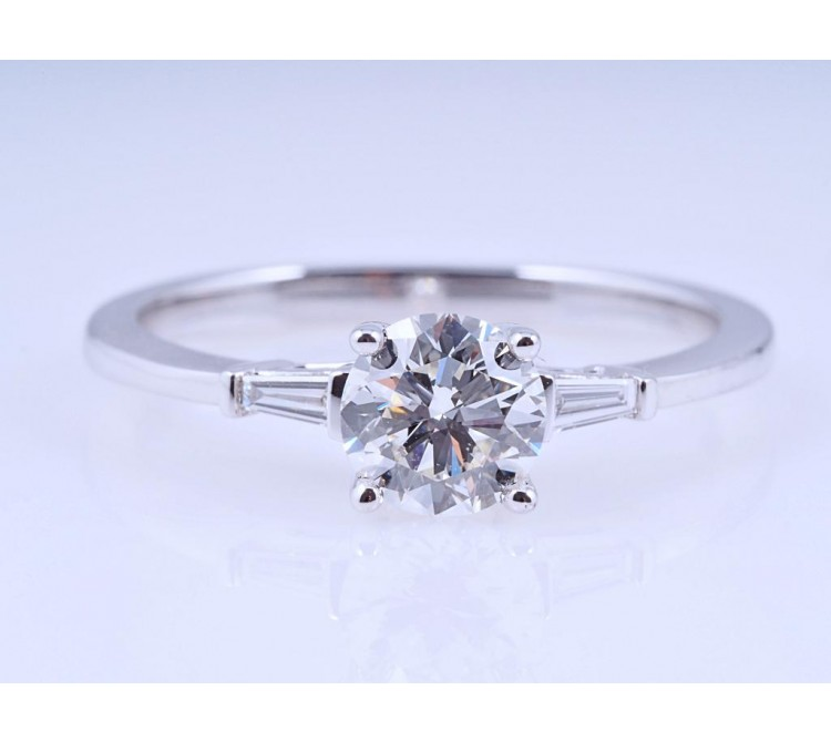 Ring 0,66 Karat Brillant 0,06 Karat Diamanten IGI Expertise 750 Gold neu