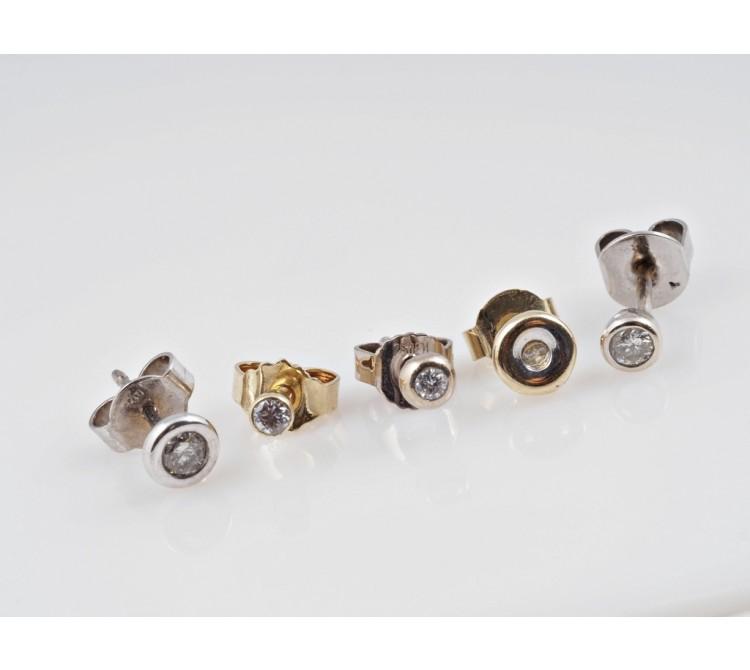 Konvolut fünf einzelner Ohrstecker Ohrringe 0,30 Karat Brillanten 585 750 Gold