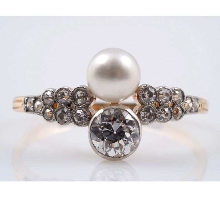 antiker Ring 0,60 Karat Diamanten Natur Perle 750 Gold