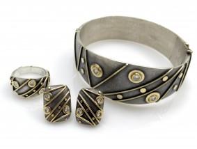 Designer Schmuck Set Armreif Ohrstecker Ring 1,00 Karat Brillanten Gold Silber