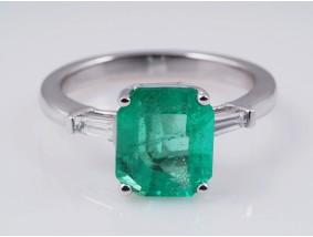 Ring 2,54 Karat Smaragd 0,196 Karat Diamanten 750 Gold 18 Karat