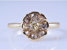 antiker Ring 0,93 Karat Diamanten 585 Gold DeGEB Expertise Wert: 1.850,- EUR