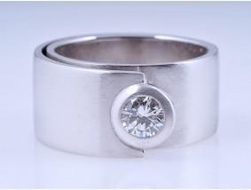 Schmuck Atelier Designer Ring 0,50 Karat Brillant 750 Gold ca. 19,60 Gramm