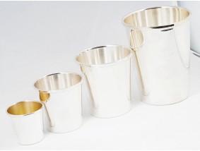 vier Becher mit Gravuren Konvolut 800 Silber ca. 302,00 Gramm
