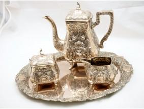 antikes vierteiliges KAFFEE SERVICE mit TABLETT / 800 SILBER / ca. 2123.00 Gramm