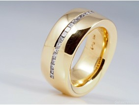 JOOP! Ring 0,50 Karat Diamanten 750 Gold ca. 18,35 Gramm