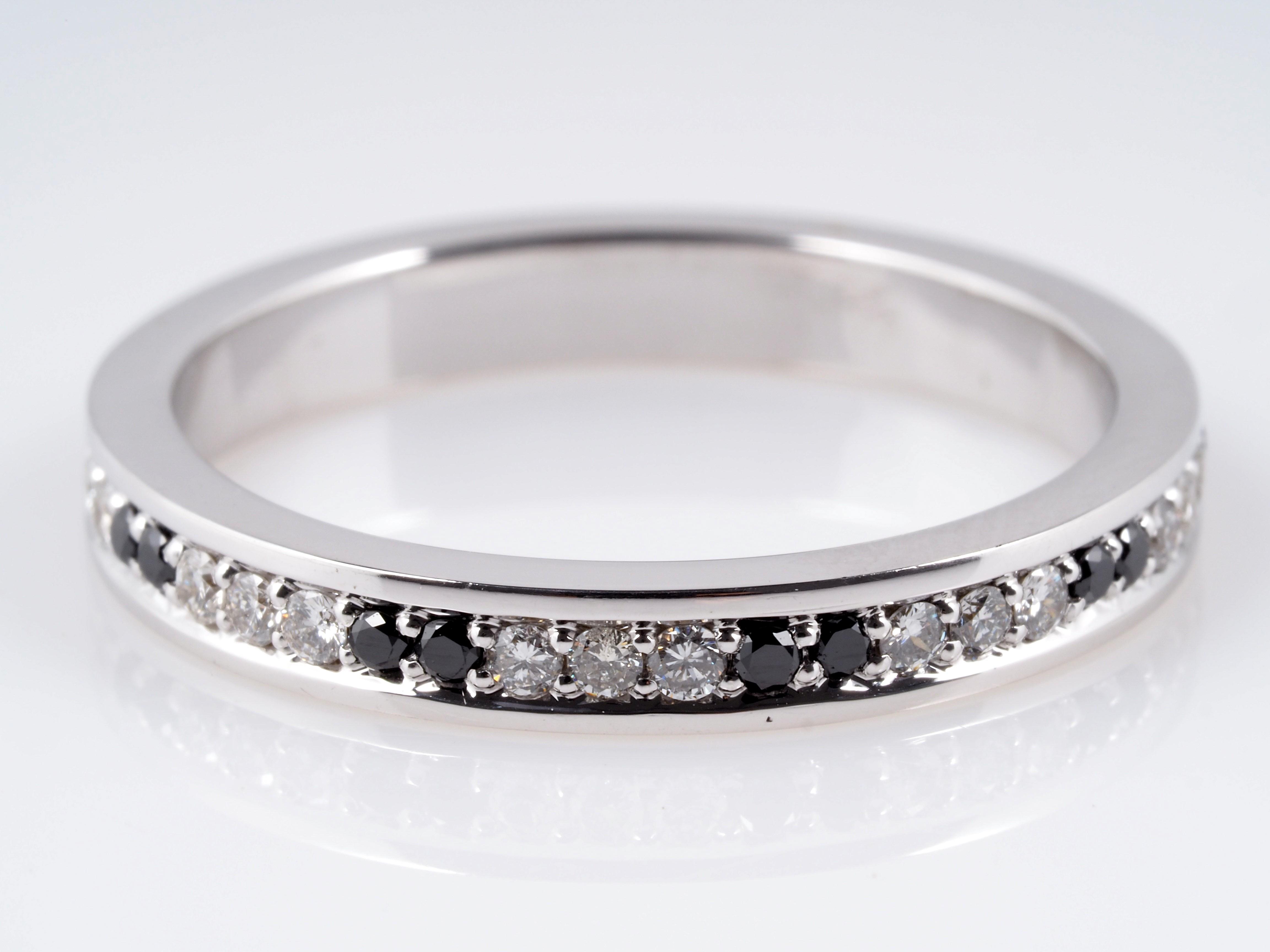 memory ring mit brillanten und schwarzen diamanten 585 gold ebay. Black Bedroom Furniture Sets. Home Design Ideas