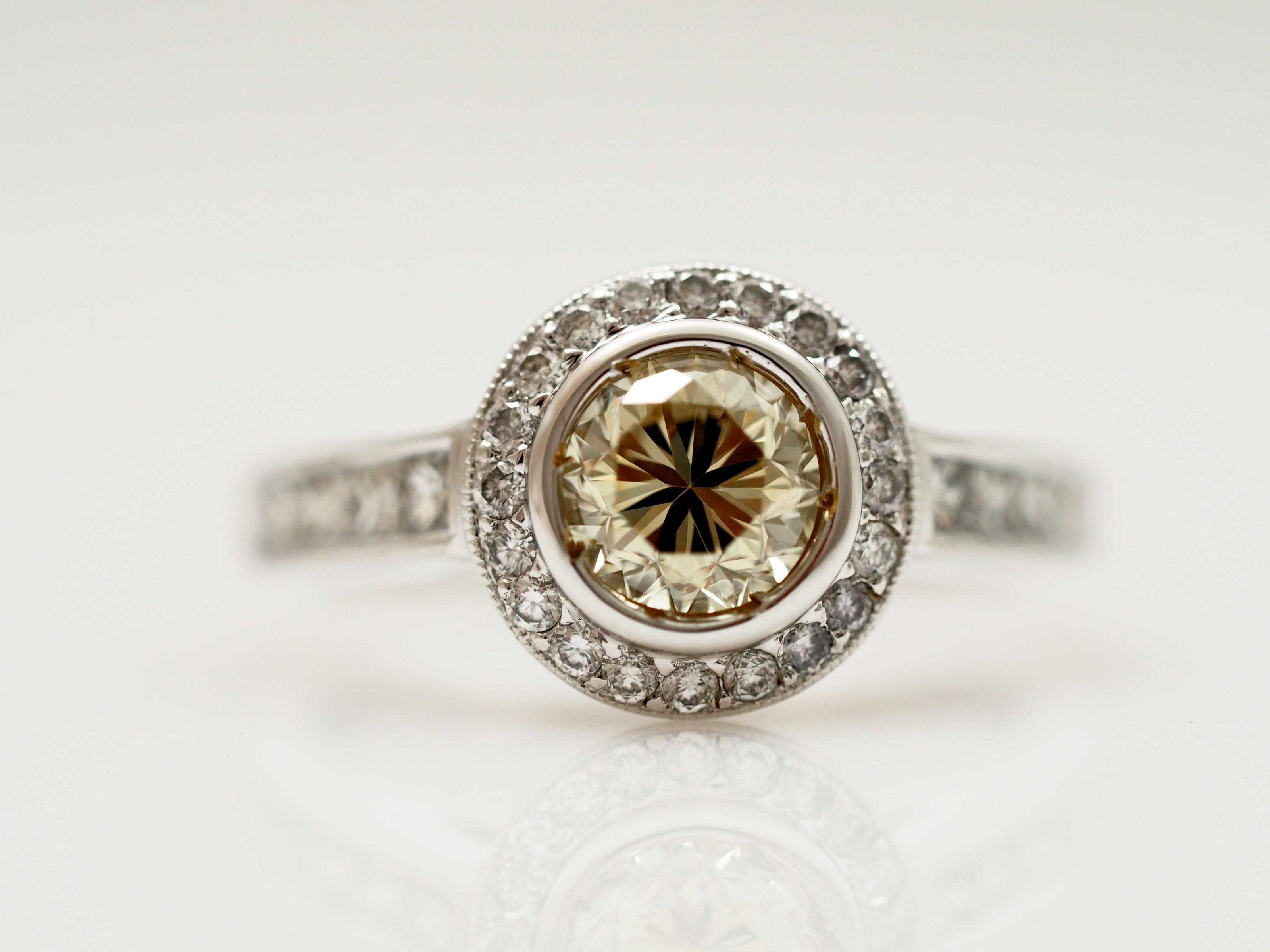ring mit 1 78 karat brillanten diamanten 750 gold wert ca eur ebay. Black Bedroom Furniture Sets. Home Design Ideas